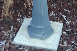 Line voltage post light