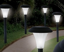 Tradesmark set of 8 Outdoor Solar Post Lights