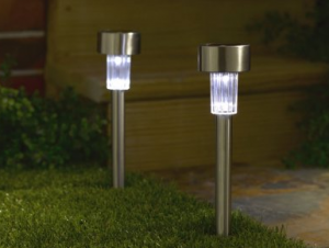 7-peice-solar-driveway-or-path-lights