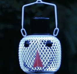 Metal Snowman birdfeeder with sloar light