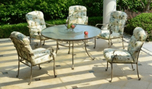 Mainstays Willow Springs dining set For 5