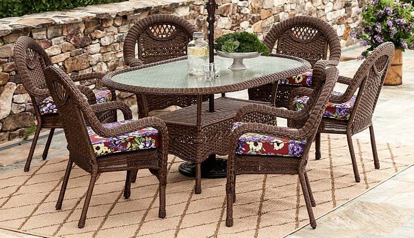Prospect Hill oval dining set