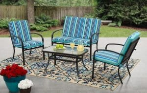 Woodland Hills conversation set with cushions