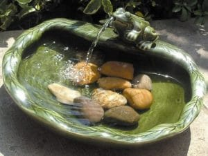Solar Green Frog fountain