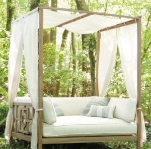 Hamptons Daybed with canopy